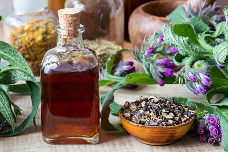 Comfrey Tincture and Herb
